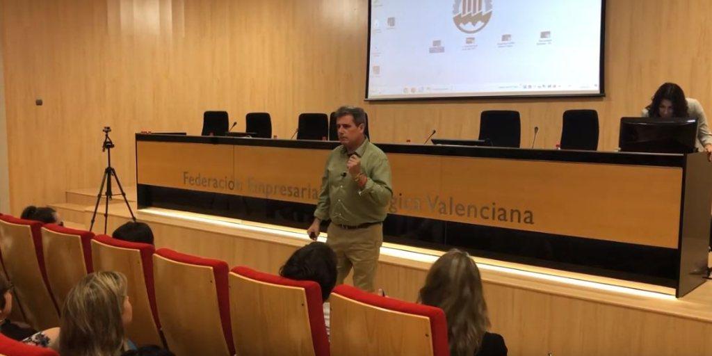 """Vídeo de la conferencia """"El valor de las personas"""" por Miguel Ángel García"""